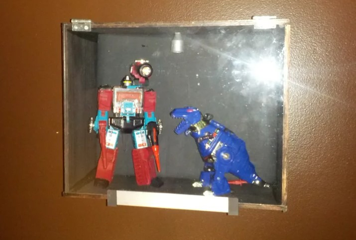 Cheap and Easy Display Case