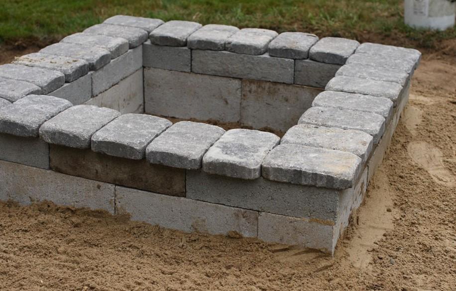 DIY Concrete Fire Pit 1
