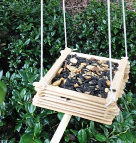 Easy DIY Wooden Bird Feeder