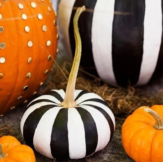 2 Ways to Make Chic No Carve Pumpkins