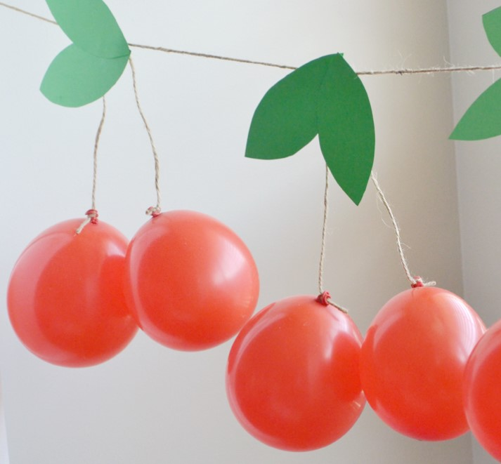 Cherry Ballon Party Garland