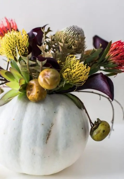 DIY Floral Halloween Centerpiece