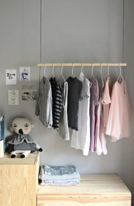 DIY HANGING CLOTHES RACK