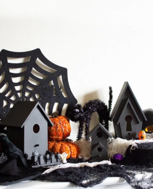 DIY Haunted Birdhouse for Halloween Decoration