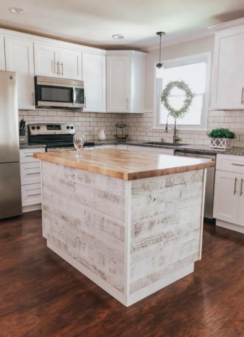 DIY Reclaimed Wood Kitchen Island