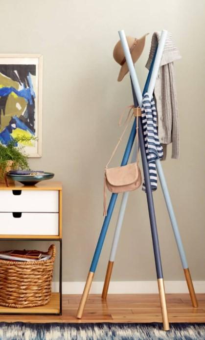 DIY wooden dowel Coatrack in Redbook