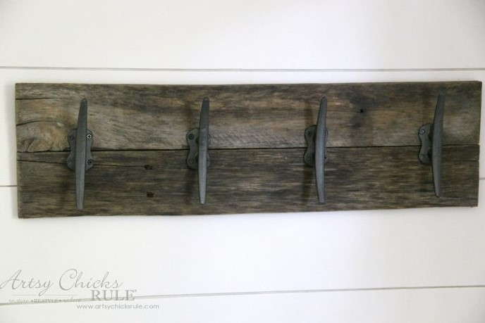 Easy DIY Nautical Pallet Wood Coat Rack simple project
