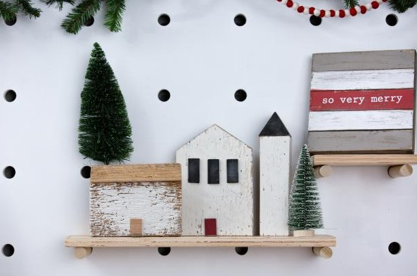Modern Wood Holiday Houses From Scraps