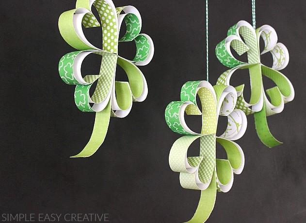 St. Patricks Day Craft How to make Paper Shamrocks