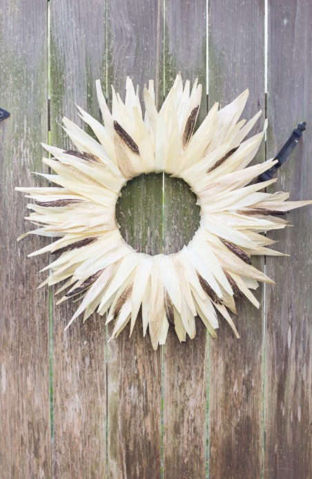 The Prettiest Fall Corn Husk Wreath