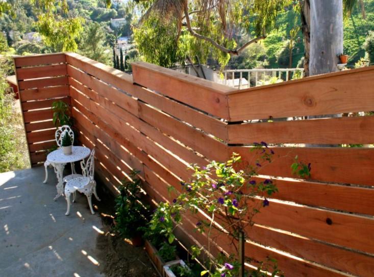 a Horizontal Plank Fence