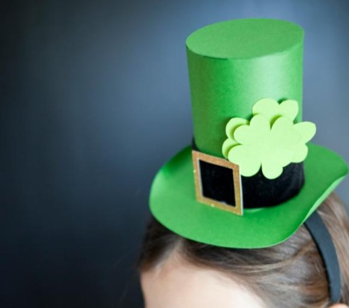 a Paper Leprechaun Hat