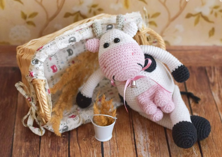 Alpine Cow Crochet