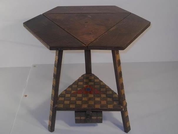 Hexagonal Folding Table 1
