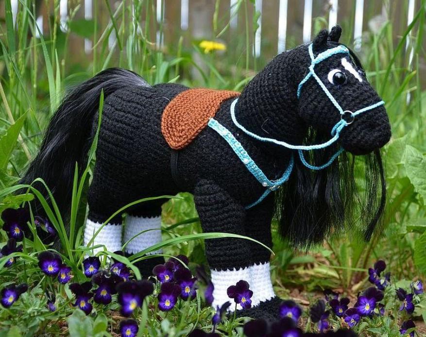 Black Heroic Horse Amigurumi Pattern