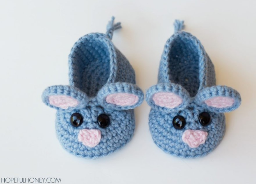 FIELD MOUSE BABY BOOTIES CROCHET