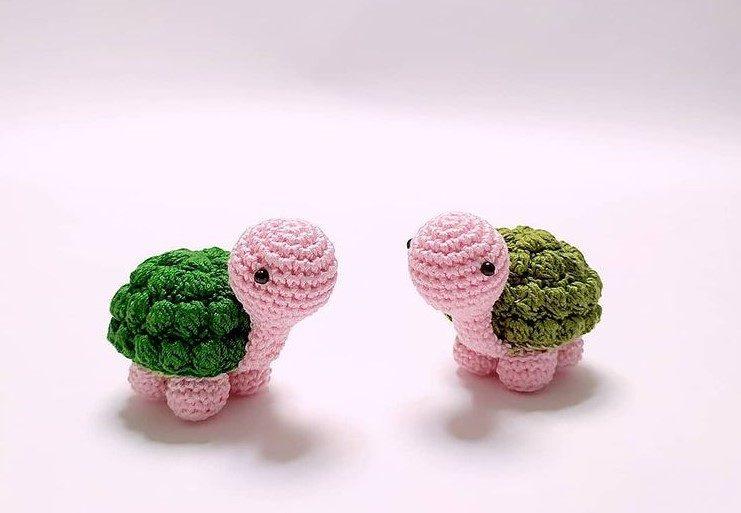 Small Cute Turtle Amigurumi by Amicidicotone