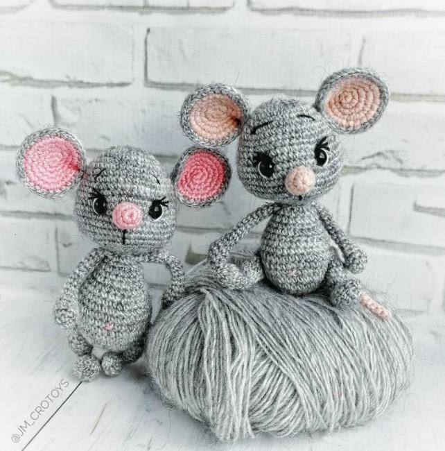 Venya the mouse amigurumi