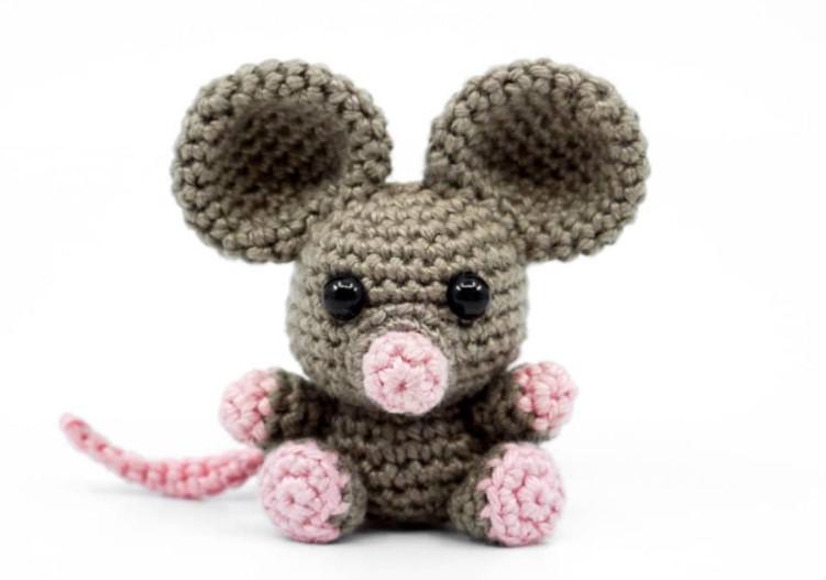 mini amigurumi mouse